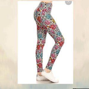 yoga style banded lined damask pattern leggings